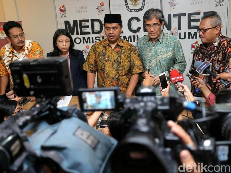 Di Penghujung Masa Jabatan, KPU Temui Jokowi Serahkan 5 Buku