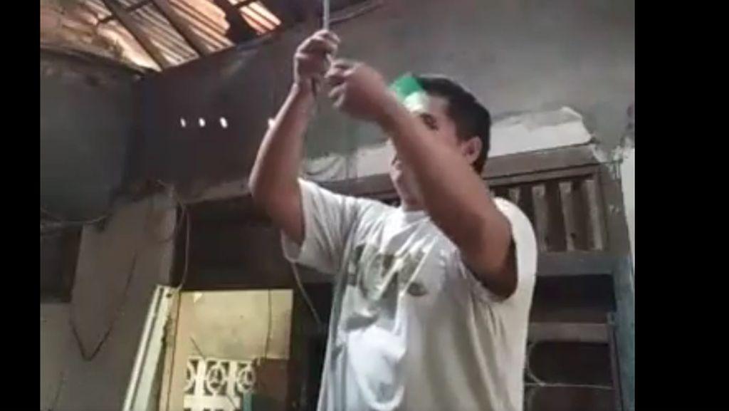 Pria di Jagakarsa Siaran Langsung Bunuh Diri via Facebook