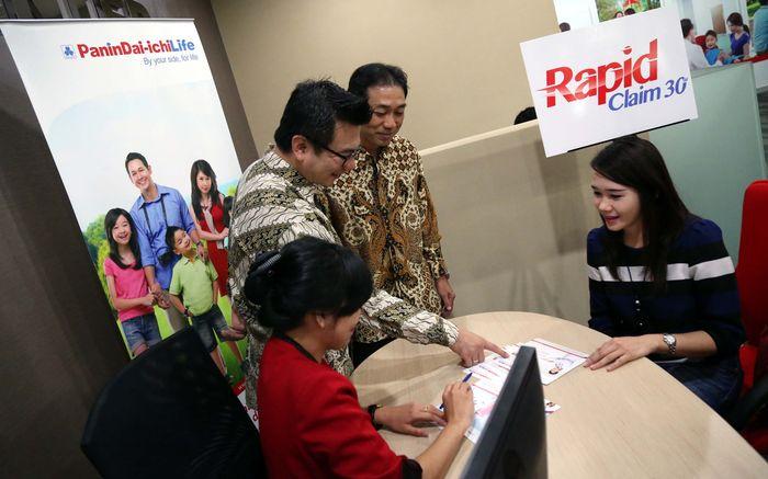 Rapid Claim 30 adalah layanan prima untuk proses klaim nasabah dengan mudah dan cepat yang dapat dinikmati oleh pemegang polis Panin Dai-ichi Life. (Foto: dok. Panin Dai Ichi Life)