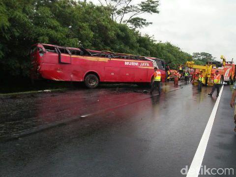 Kecelakaan Bus di Tol Jakarta-Merak, 3 Orang Tewas Termasuk Sopir Bus