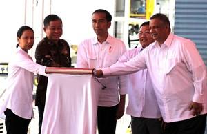 Selamat Ulang Tahun Jokowi dan Jonan!
