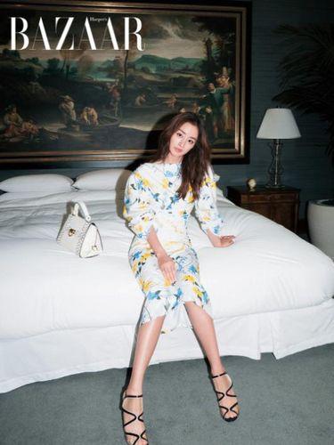 <i>Korean Style</i>: Kemesraan Rain dan Kim Tae Hee di Cover Majalah