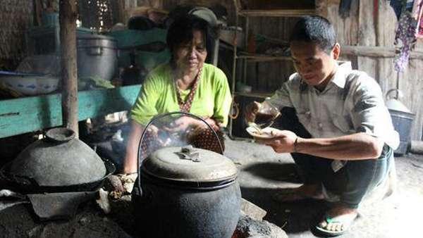 Pemuda dan Nenek di Madiun Nikah dengan Proses Kilat