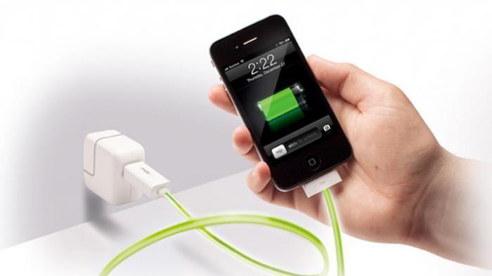 Ilustrasi Charging ponsel. (Foto: Internet)