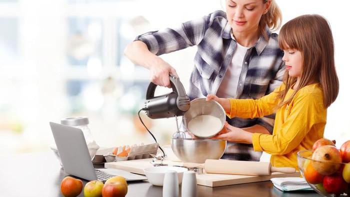 4 Jenis Makanan Ini Cocok Dibuat Bersama Si Kecil