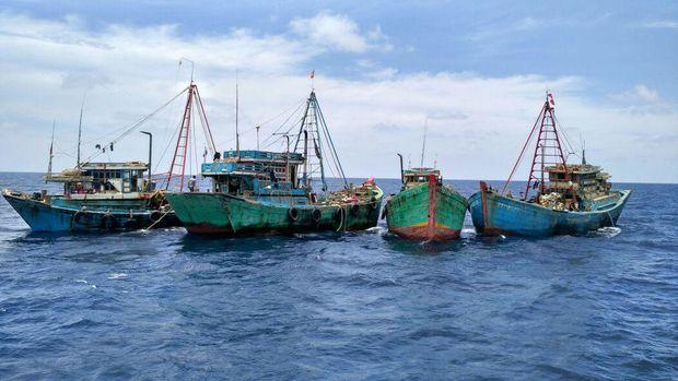 Kapal ikan berbendera Vietnam di Natuna