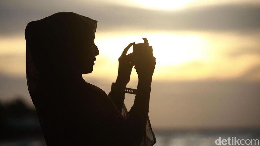 Menikmati Senja di Pantai Tanjung Bira