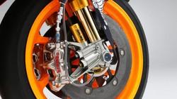 Kenapa Motor MotoGP Dilarang Pakai Rem ABS? Ini Alasannya