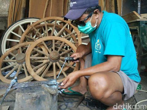 Mengunjungi Bengkel Andong 'Arjuna' di Sleman yang Laris Manis