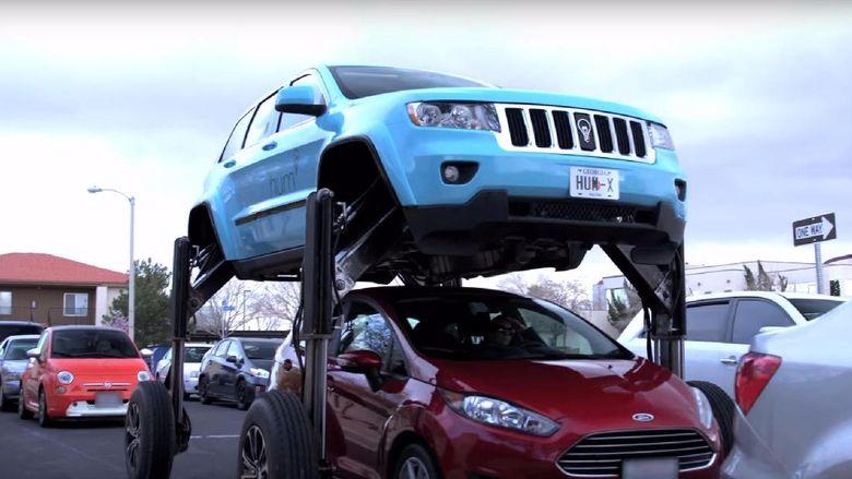 Keren Jeep Modifikasi Ini Bisa Kangkangi Mobil Lain