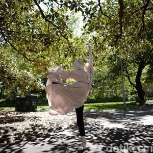 Mengenal Stephanie Kurlow, Penari Balet Berhijab Pertama dari Australia