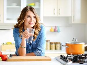 Ini Risikonya Diet Air Putih untuk Menurunkan Berat Badan