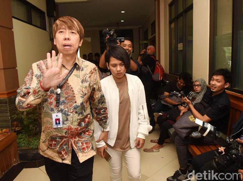Evelyn Terus Tolak Tuntutan Cerai dari Aming