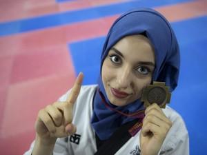 Kisah Ratu Taekwondo Berhijab yang Viral