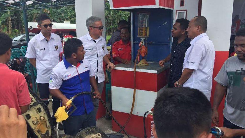 Sentuhan Jokowi di Daerah Terluar RI Lewat BBM Satu Harga
