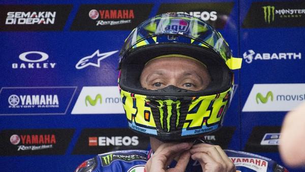 Rossi: Aku Tak Tertinggal Jauh dari Vinales