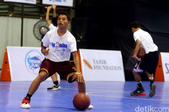 Acara diisi dengan coaches clinic (pelatihan bagi guru olahraga) dan open clinic (pelatihan terbuka). Tahun ini Jr NBL memperluas jangkauan sampai ke Surabaya, Bandung, dan Jakarta.