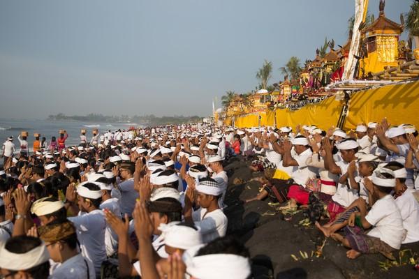 Indonesia, khususnya Gianyar di Bali memang tidak kehilangan pamor. Keindahan Bali tiada duanya hingga berada di posisi ke-9. Foto saat pelaksaan Nyepi di Gianyar (Gede Suardana/detikTravel)
