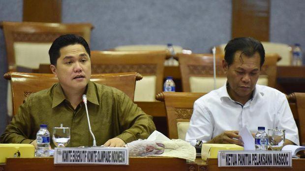 Muddai Madang (kanan) meminta agar PT LIB mentransfer sendiri gaji ke pemain SFC. (