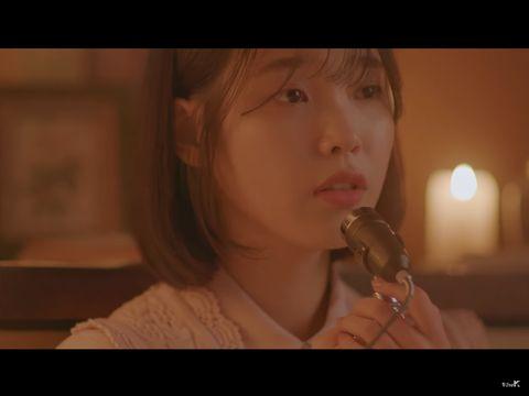Kisah IU, Penyanyi Tersukses Korea yang Dulu Hidup Miskin Bersama Kecoa