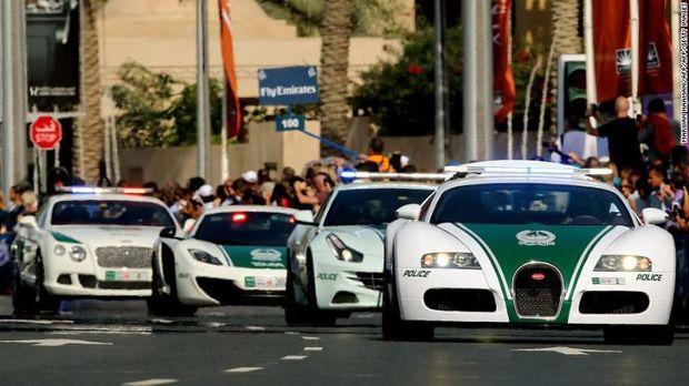 Mobil polisi Dubai