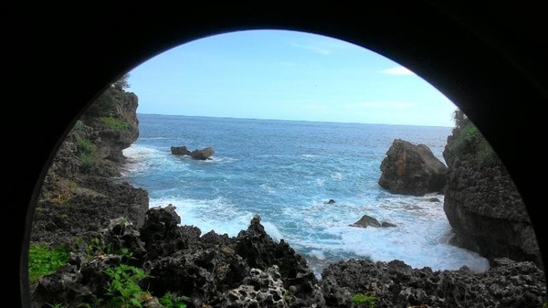 Wilayah Jogja Raya. Selain wisata di pusat kota, pantai-pantai indah juga banyak dijumpai di wilayah Gunung Kidul. Salah satunya Pantai Buron. Retno/dTraveler