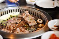 Sebelum Makan di Resto Korea, Pelajari Etiket Makan Hidangan Korea Ini