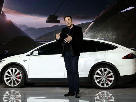 Perusahaannya Krisis, Elon Musk Rela Tidur di Pabrik