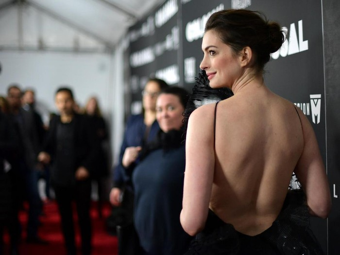 NEW YORK, NY - MARCH 28:  Actress Anne Hathaway attends the Colossal premiere at AMC Lincoln Square Theater on March 28, 2017 in New York City.  (Photo by Mike Coppola/Getty Images)
