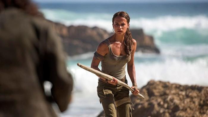 Lara Croft dalam film Tomb Raider. Foto: Graham Bortholomew