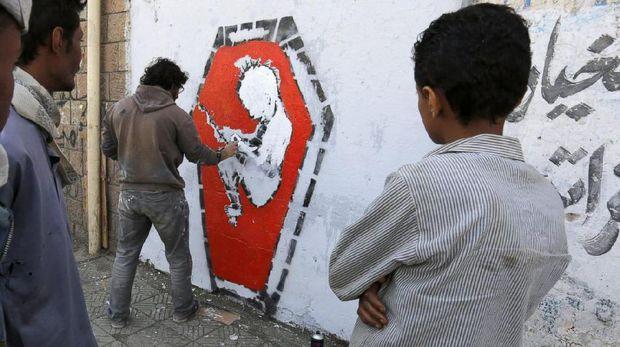 Di Tengah Konflik Perang Yaman, Duo <i>Street Artist</i> Serukan Perdamaian