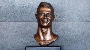 Kini Ganteng, Patung Baru Cristiano Ronaldo di Madeira