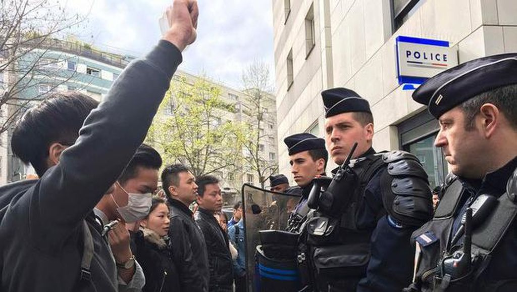 Ribuan Warga Prancis Protes Aturan Baru Wajib Vaksin COVID-19