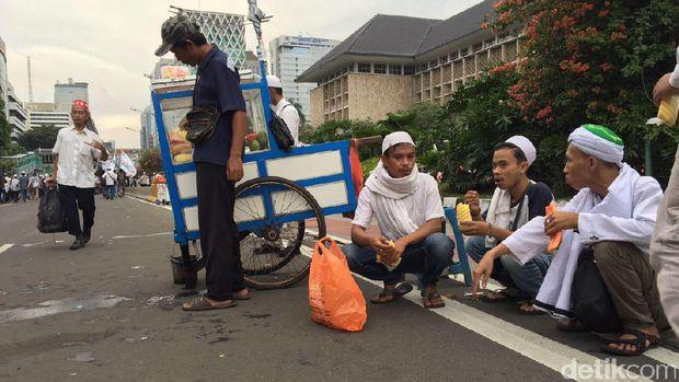 PKL di aksi damai 313