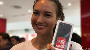 Cerita Nadine Chandrawinata dan iPhone 7 Barunya