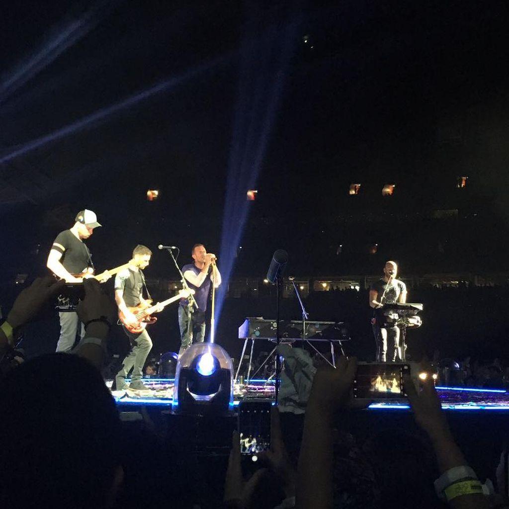 Terima Kasih Coldplay untuk A Head Full of Dreams yang Luar Biasa!