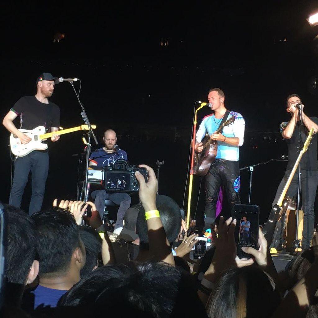 Kehadiran Will Champion Tandai Lahirnya Coldplay 20 Tahun Lalu