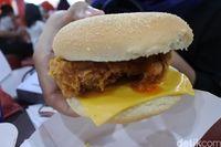 Mystery Box Meriahkan Kehadiran Zinger Burger 'Zuper Krunch' KFC