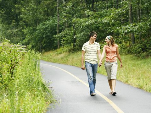 Gunakan kesempatan, ajak juga suami beraktivitas.