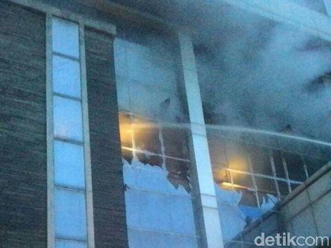 Diawali Ledakan, Kebakaran Landa Kantor Pajak di Bekasi