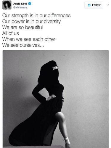 Foto Pakai Burqa tapi Pamer Kaki, Alicia Keys Dikritik Netizen