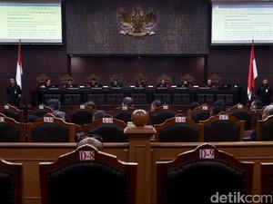 Putusan Mengejutkan MK: Nikah 1 Kantor, Kumpul Kebo Dilempar ke DPR