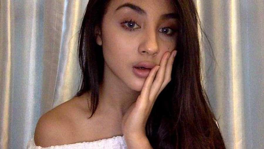 Seksinya Bella Luna, Dua Gaya Dian Sastro