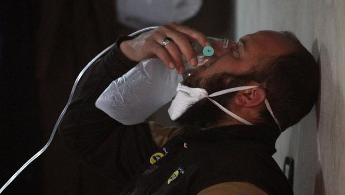 Ilustrasi -- korban serangan kimia di Suriah (Ammar Abdullah/Reuters)