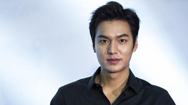 Lee Min Ho dan Park Shin Hye pernah bermain dalam drama 'The Heirs.'