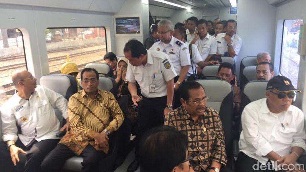 4 Menteri Jokowi Jajal Kereta Bandara Kualanamu