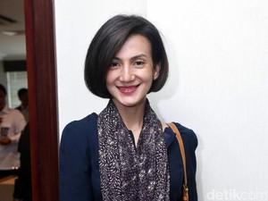 Wanda Hamidah <i>Fresh</i> Banget Sih!