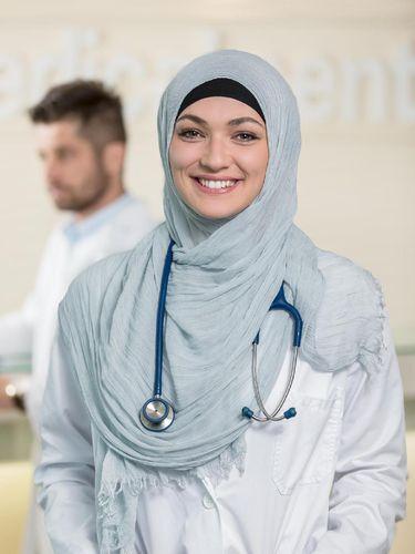 Viral, Dokter Berhijab yang Ditolak Kerja di Jerman