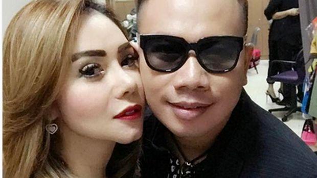 Vicky Prasetyo yang gagal nikah sempat mesra dengan Femmy Permatasari.
