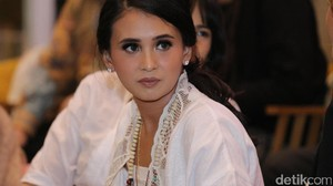 Ayushita Kenalkan Sosok Kartini pada Warga Los Angeles